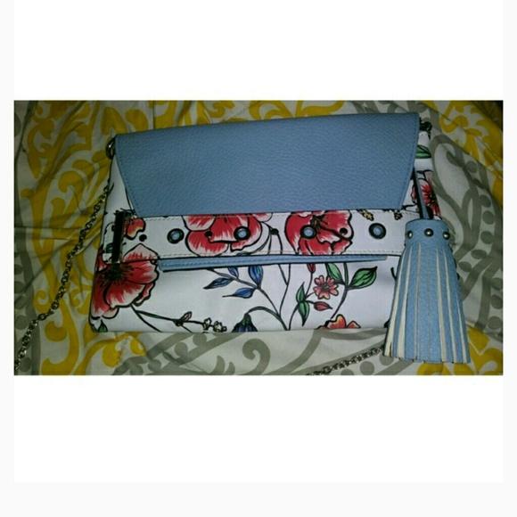 509d4eaea Sam & Libby Bags | Euc Sam Libby Floral Crossbody | Poshmark